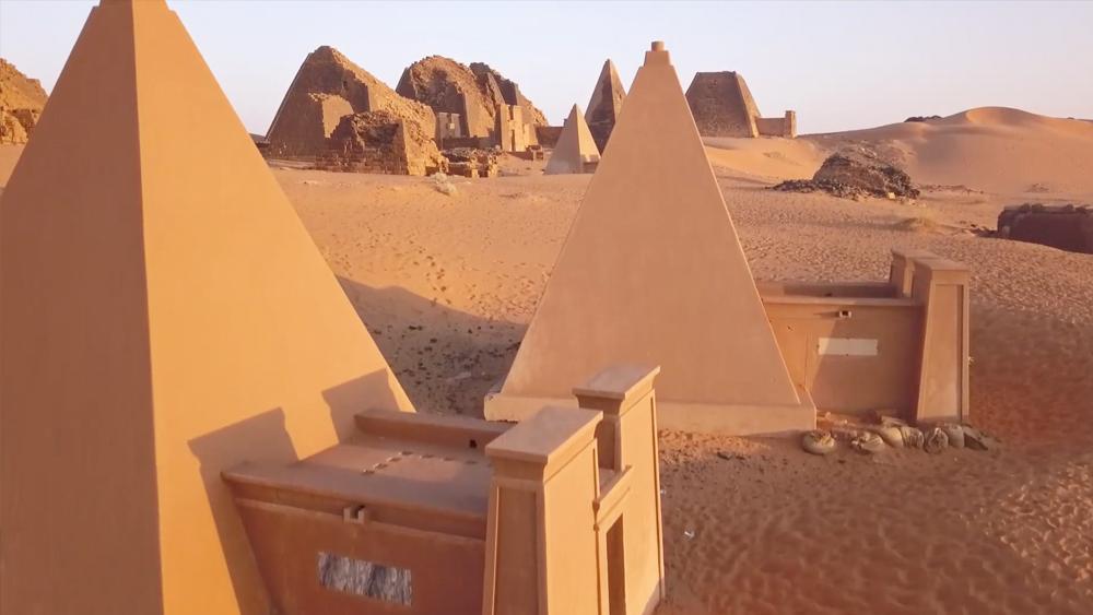 Meroe Pyramids Sudan Photoneer.de Thomas Markert