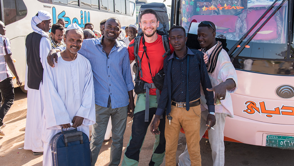 Photoneer.de Thomas Markert in Sudan for the production